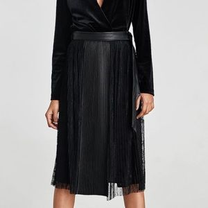 NWT Zara combined pleated skirt